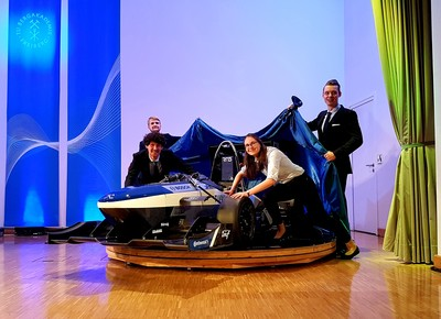 Students present new Racetech racing car in Freiberg. The photo shows (from left to right): Wieland Prorep (Technical Project Manager), Magnus Engler (Chassis), Martha Uhrlaß (Treasurer) und Alexander Mölle (Marketing). Photo: TU Bergakademie Freiberg